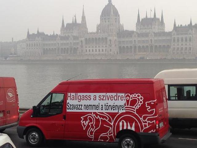 350 furgon miatt áll a forgalom Budapesten