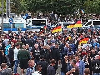 A menekültválság megváltoztatta Németországot, a németek kétharmada szerint rossz irányba