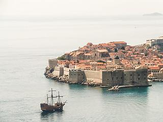 Horvát járványhelyzet:  a vírus tengerparti éjszakai szórakozóhelyeken terjed