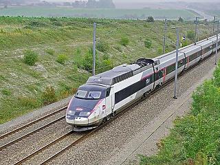 Brutális fizetésért dolgoznak a Budapest-Belgrád vasúti fejlesztésért felelős cégnél