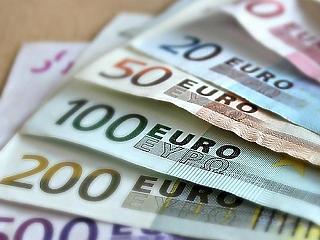A zuhanó líra magával rántotta az eurót is