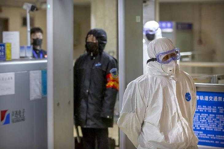Pekingben már bevezették a legfontosabb védelmi intézkedéseket (Fotó: MTI)