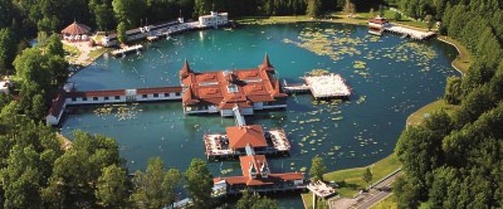 Hévízi-tó (forrás: hévíz.hu)