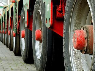Áruforgalmi folyosókat használhatnak a kamionok