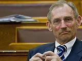 A Fidesz megoldotta, hogy Pintér Sándornak ne kelljen beszélnie Pegasus-ügyben