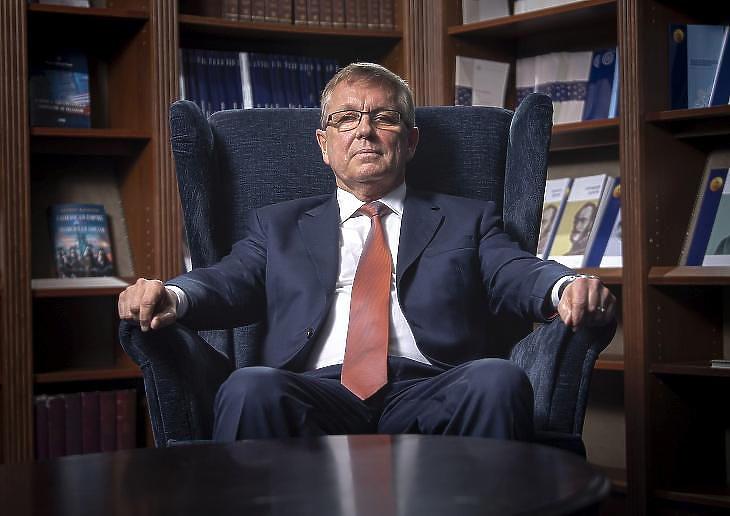 Matolcsy György nem dőlhet hátra (Fotó: MTI/Szigetváry Zsolt)