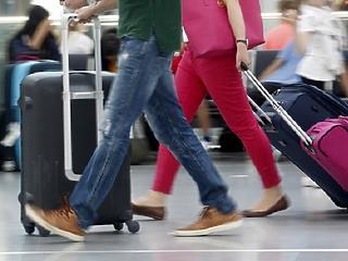 A Wizz Air megnégyszerezte, a Ryanair megtízszerezte az utasszámát egy hónap alatt