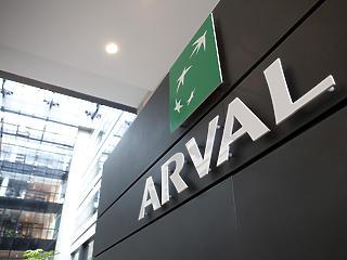 Éles kanyart vesz az Arval, az autózáson túl belép az alternatív mobilitás piacára is