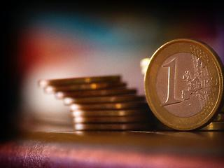 Behorpasztják az újabb lezárások Európa gazdaságát