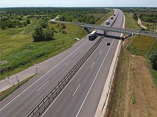 Nem fog az ország az útépítéseken spórolni