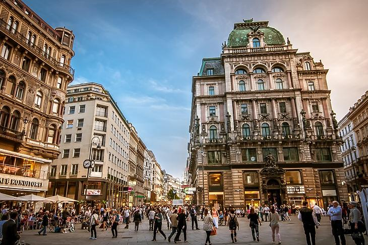 Bécsben is beindulhat az élet. (Korábbi felvétel. Forrás: Depositphotos)