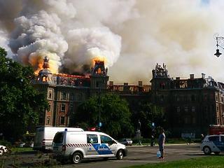 273 millióért eladná Terézváros a leégett Andrássy úti palotát
