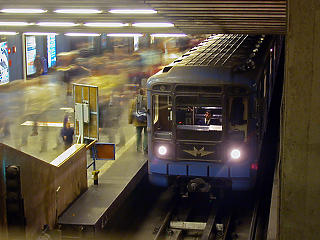 Április végén végleg eltűnnek a régi metrókocsik Budapestről