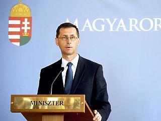 Azt kérte Varga a megyei jogú városoktól, hogy tartalékoljanak