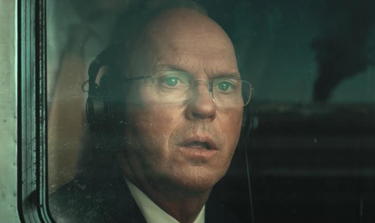 Michael Keaton alakítja Feinberget. Fotó: netflix
