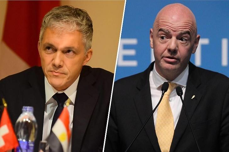 Michael Lauber svájci államügyész és Gianni Infantino, a Fifa elnöke