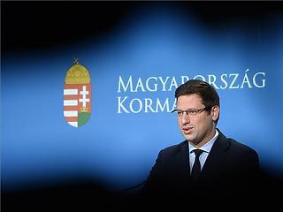 10 000 milliárdos lehet az Orbán-kormány gigamentőcsomagja