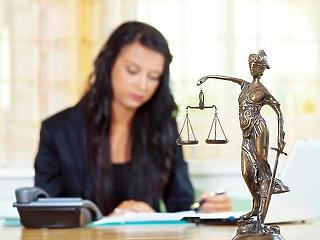 A parlamentben ragadt a javaslat az elhúzódó bírósági ítéletek miatti kártérítésről