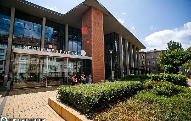 A Semmelweis Egyetem egyik épülete (Fotó: Kovács Attila, Semmelweis Egyetem)
