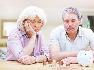 Friss GDP-adat: tízezer forinttal több prémium járna a nyugdíjasoknak
