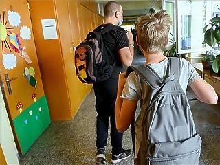 Októbertől hazaküldik a gyereket az iskolából, ha 37,8 foknál magasabb a testhőmérséklete