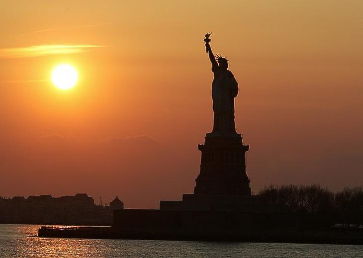 A Szabadság Szobor naplementében