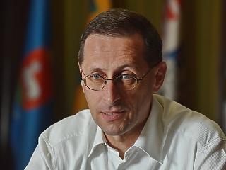 Varga Mihály: Brüsszel hozzáállása szégyenletes, de ha akarnák, sem tudnák elgáncsolni a magyar gazdaságot
