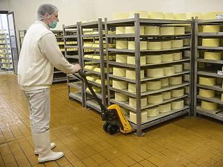 2 milliárdos fejlesztés a veszprémi sajtgyárban