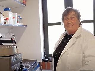 Karikó Katalin mellett Lukács Noémi biológusnő nevét is meg kell jegyeznünk