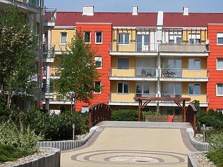 Tovább esnek a lakásbérleti díjak, Budapest az éllovas a zuhanásban