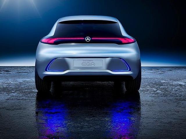 Ilyen elektromos autóval tarolna a Mercedes