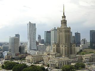 Tíznapos karantén jön Lengyelországban