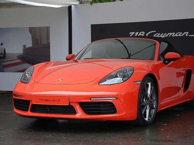 10. Porsche