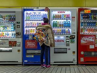 Már csak pár hónap maradt, aztán az ital-automatákra is rálát a NAV