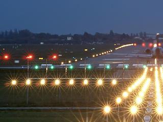 Leállíthatják az éjszakai repülőforgalmat a Ferihegyen