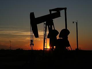 Óriási összeborulás az olajpiacon