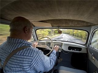 Szokatlan gesztus: 700 milliót ad vissza az autósoknak az egyik biztosító