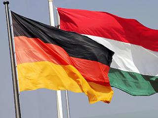 Kéz a kézben mászhat ki a gödörből magyar és a német gazdaság