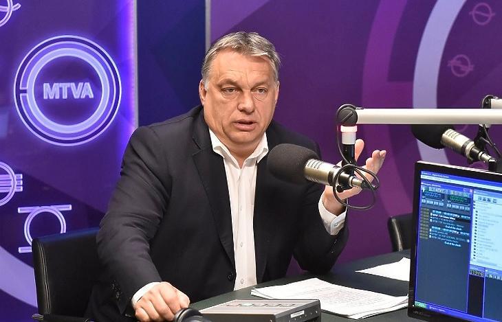 Egy korábbi felvétel Orbán Viktorról a Kossuth Rádió stúdiójában. (MTI)