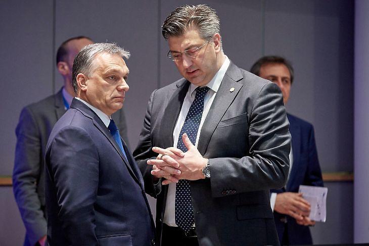 Orbán Viktor és Andrej Plenkovic a 2018. március 23-i EU-csúcson Brüsszelben. (Forrás: Európai Tanács)