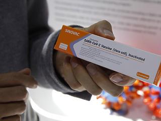 Hivatalosan is megnyitotta Magyarország kapuit a keleti vakcinák előtt a kormány