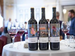 A szekszárdiak után az egri borászokat hitelezi az Erste