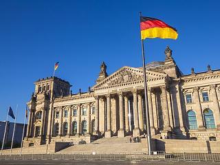 Németországban is kopogtat a második hullám