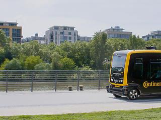 A zökkenőmentes mobilitás összekapcsolja az önvezető járműveket és a szállítórobotokat