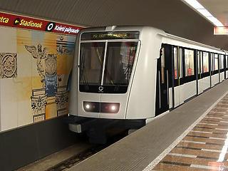Nem áll meg a 2-es metró a Kossuth téren augusztus végéig
