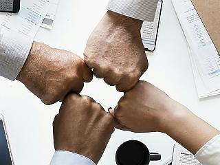 Elhunyt a cégvezető? Törölhetik a céget, ha nem lépünk időben