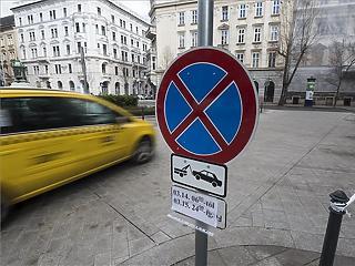 Így tömegközlekedhetünk Budapesten március 15-én