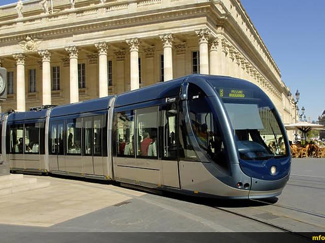 Felsővezeték nélküli villamosok Bordeaux-ban