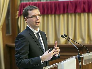 PM: Új adócsomagot hoz az ősz, a jövő év pedig egyszerűbb adóügyeket