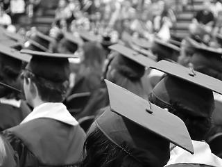 Ismét több a diplomás szegény, többen nélkülözik a húsételt is